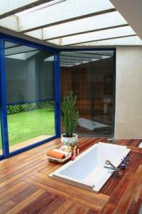Integración de espacios interior-exterior. Interiorista en Barcelona Interior Studio.